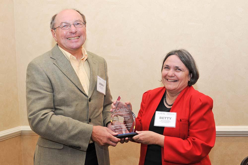 DLIFLC receives prestigious teaching award